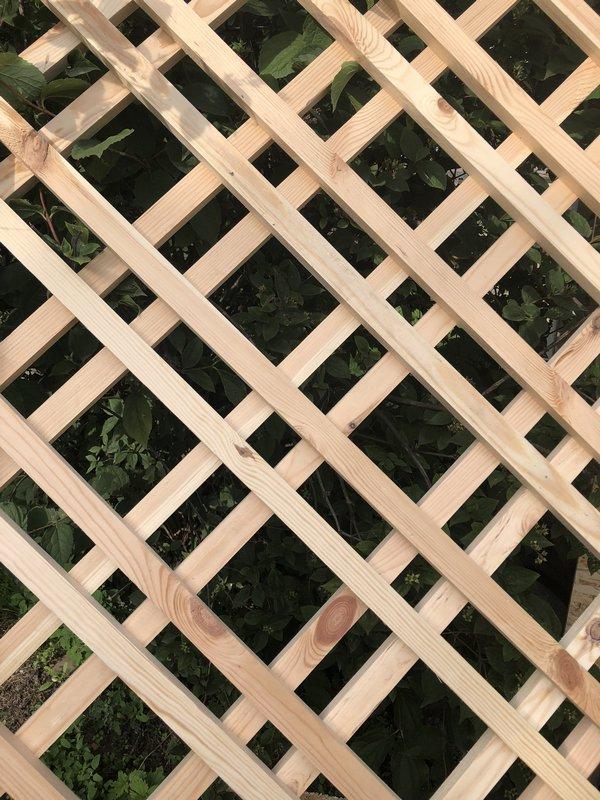 время стоит фото деревянных решеток карта колянура улицами